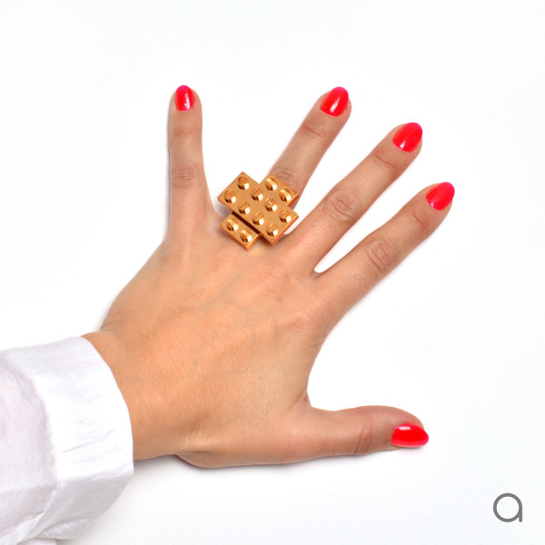 Agabag-Gold-plated-LEGO-bricks-8-ring