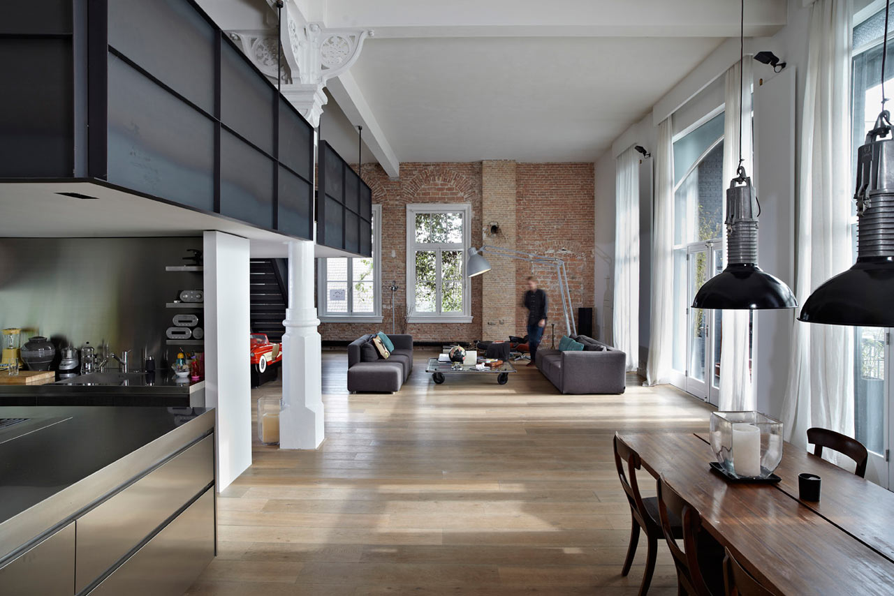 An industrial loft in the netherlands design milk - Chambre style loft industriel ...