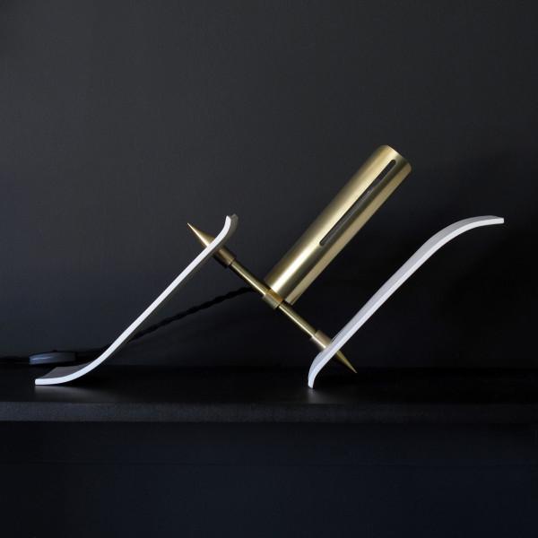 Materia-Toro-Table-slant-off