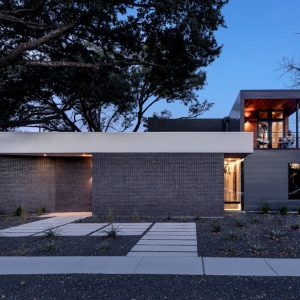 Main Stay House by Matt Fajkus Architecture