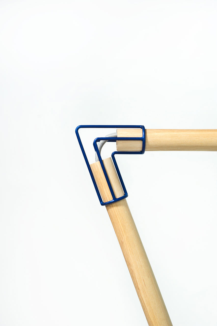 A Flat Pack Floor Lamp Made of Wood + 3D-Printed Parts