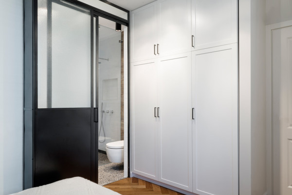 Bauhaus-Apartment-Raanan-Stern-15