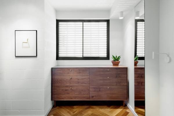 Bauhaus-Apartment-Raanan-Stern-16