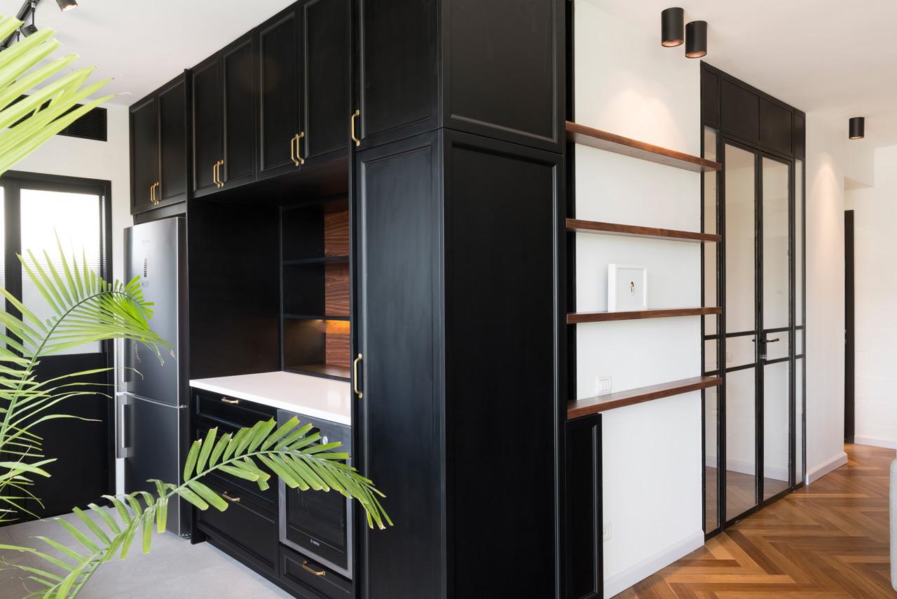 bauhaus apartment raanan stern 9 design milk. Black Bedroom Furniture Sets. Home Design Ideas