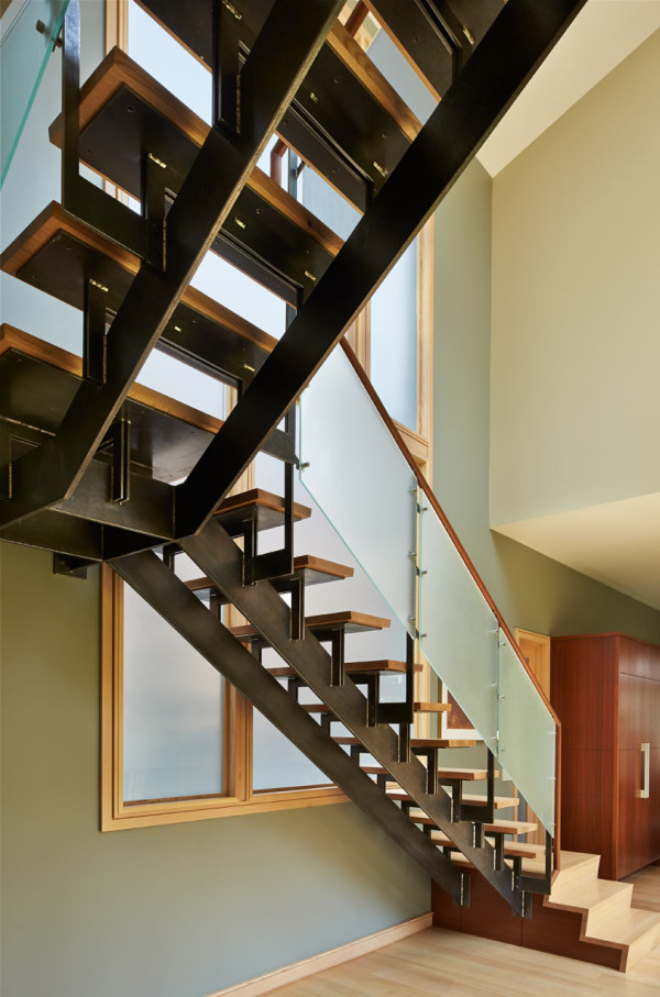 DESCHUTES-House-Finne-Architect-13-stairs