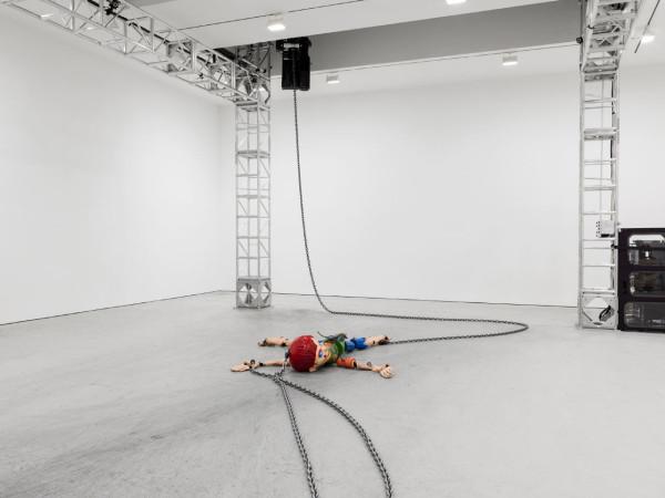 Jordan Wolfson, Colored Sculpture, 2016