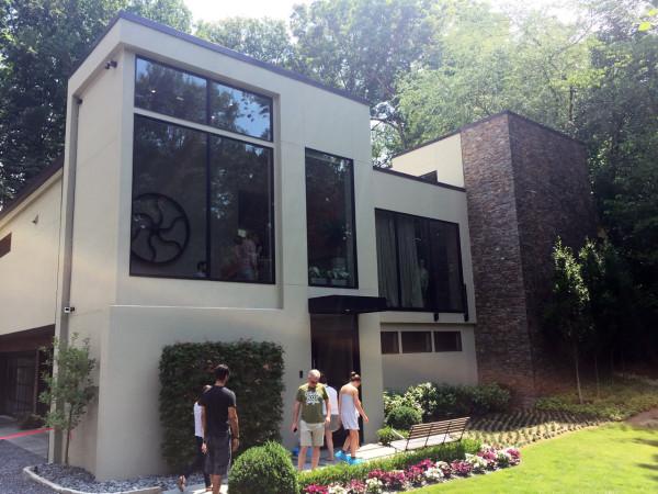 Exploring atlanta 39 s modern homes design milk for Modern residential house