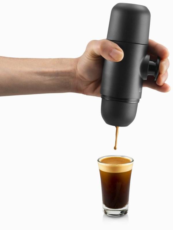Minipresso-GR-WACACO-espresso-maker-1