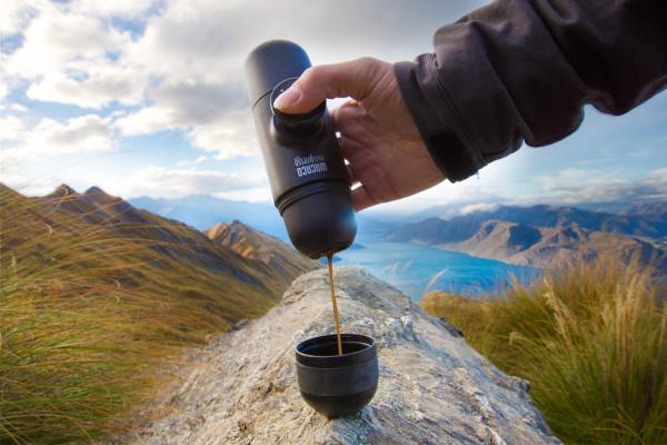 Minipresso-GR-WACACO-espresso-maker-5