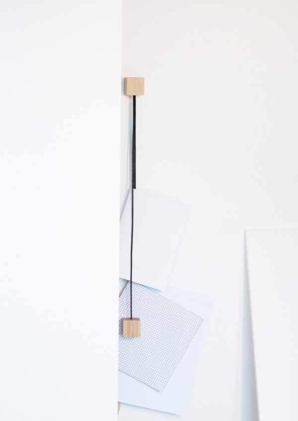 On-wall-magazine-holder-Alvaro-Diaz-Hernandez-Nyova-11