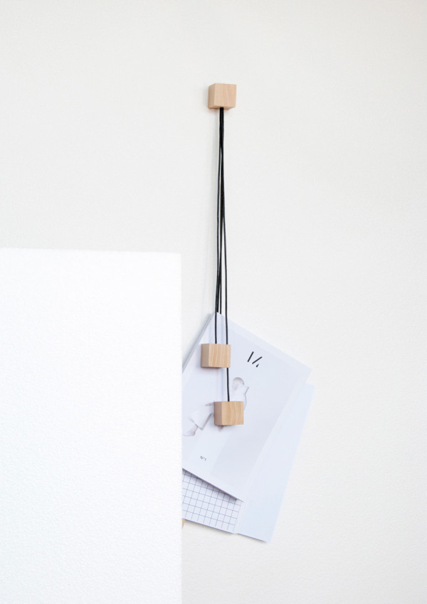 On-wall-magazine-holder-Alvaro-Diaz-Hernandez-Nyova-7