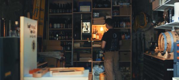 Sconcy-Stick-On-Lamp-Luke-Kelly-11