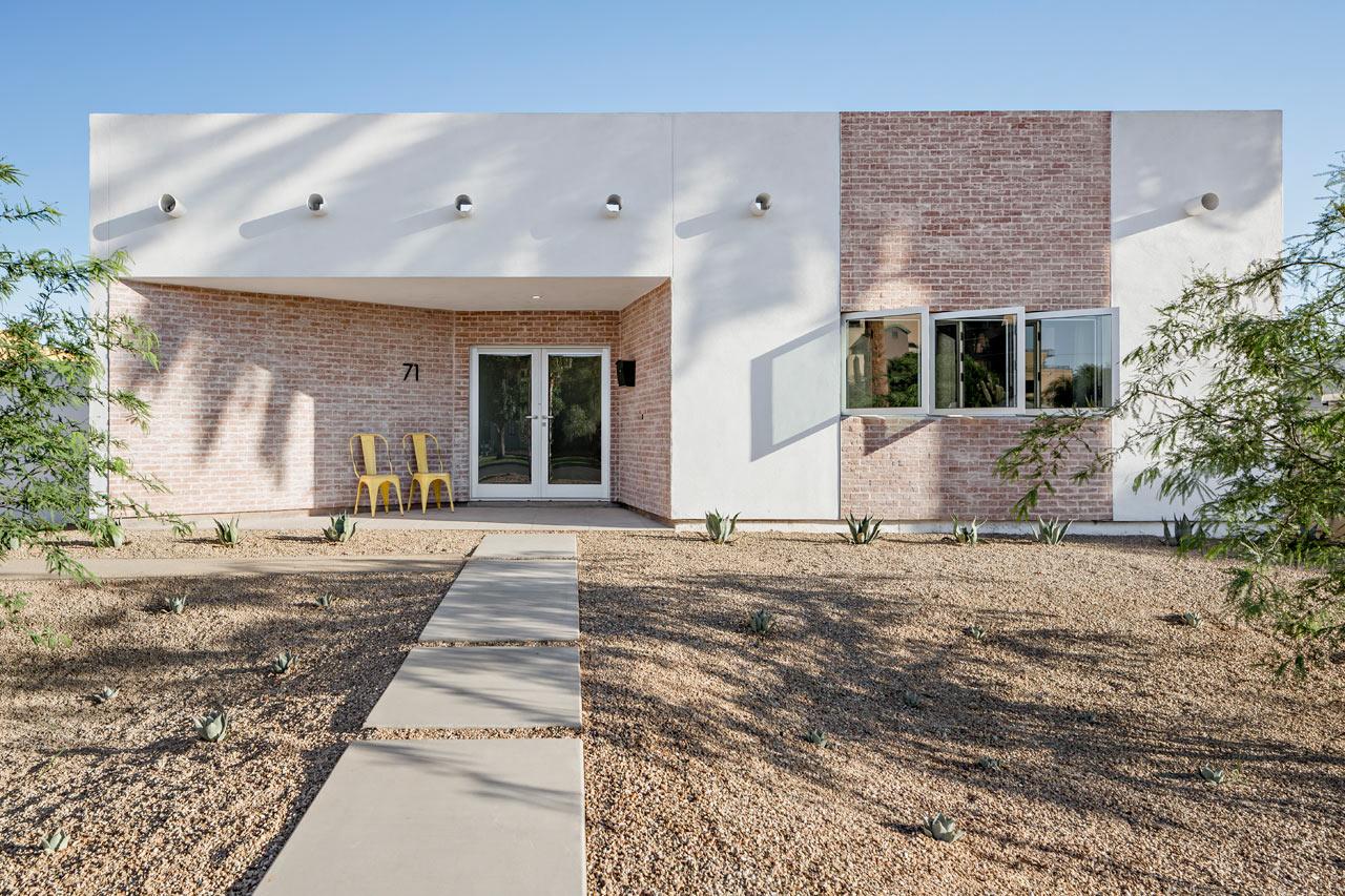 A Modern Courtyard House In Phoenix Design Milk Bloglovin