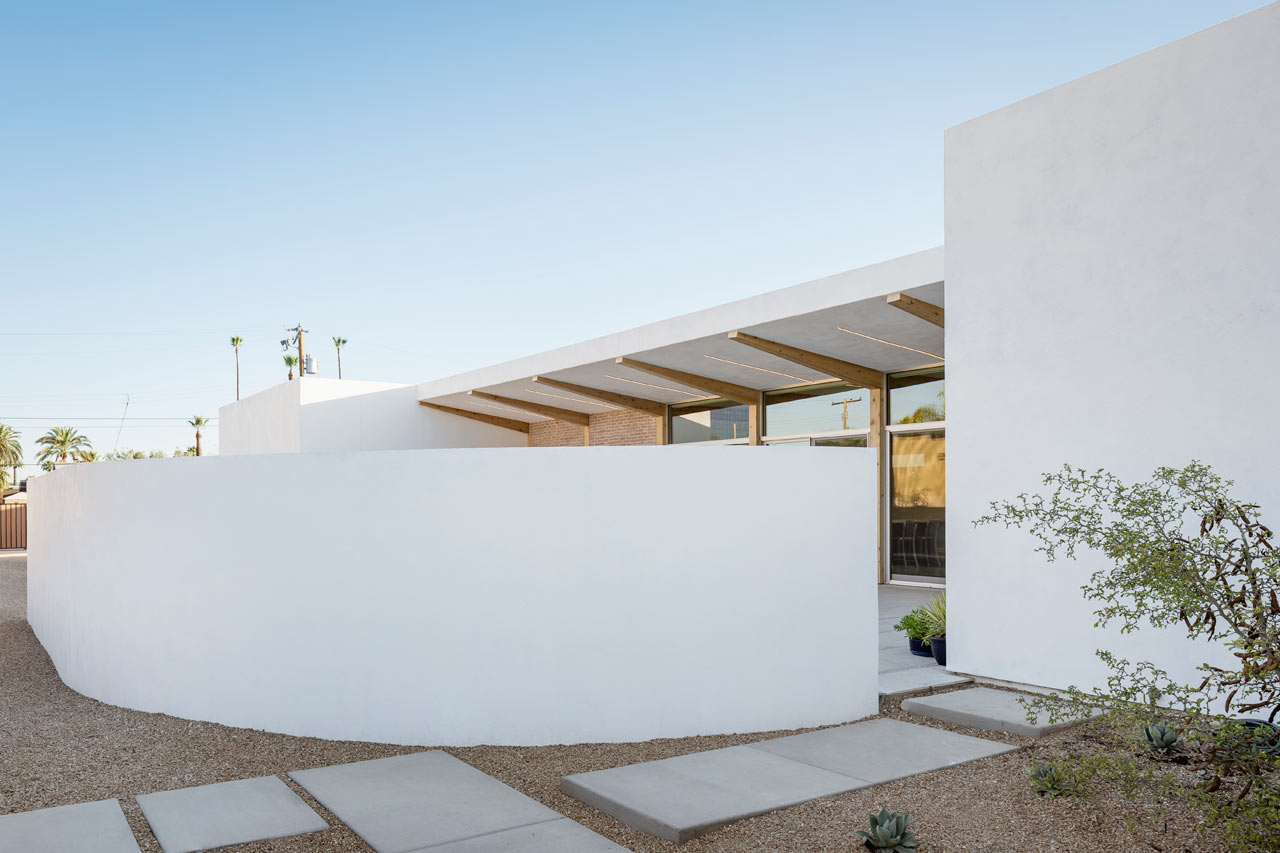 Sol-courtyard-house-The-Ranch-Mine-3