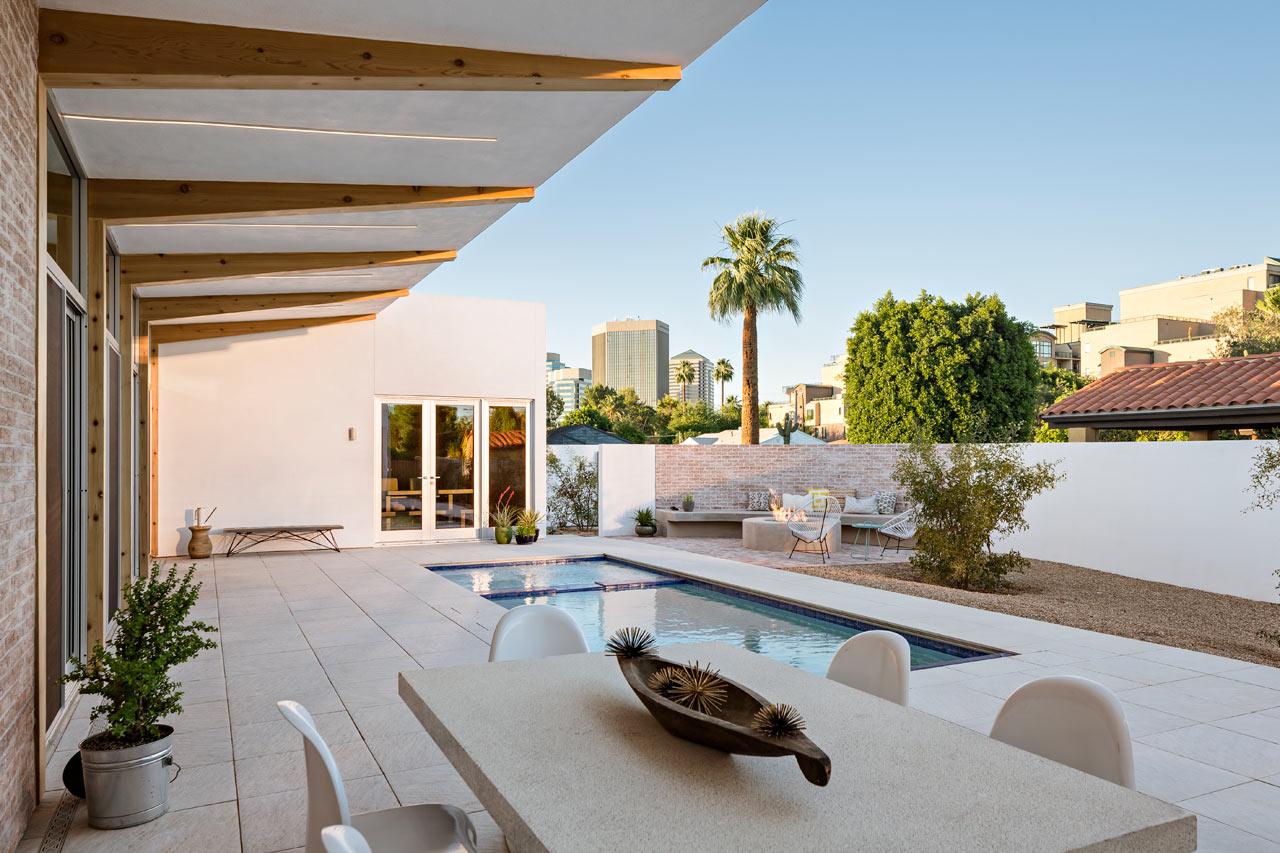 a modern courtyard house in phoenix design milk sol courtyard house the ranch mine 6