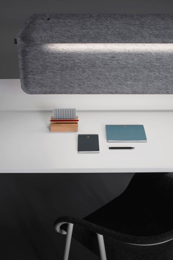 DeVorm-AK2-Workspace-Divider-Lamp-9