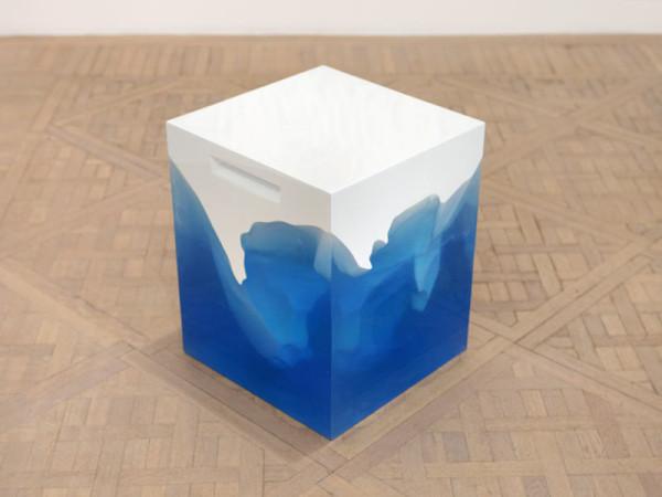 HAROW-ICEBERG-Stool-Side-Table-7