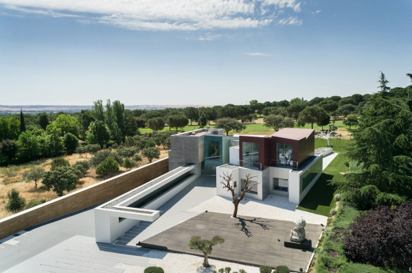 Madrid's House H Looks Like a Geometric Sculpture