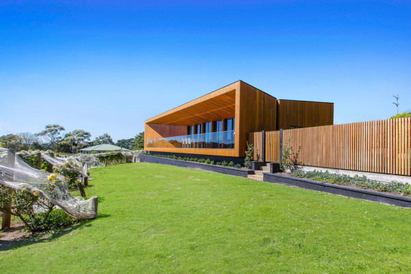 Red-Hill-Residence-Finnis-Architects-14