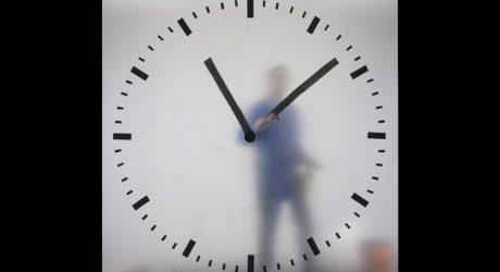 Maarten Baas' Real Time Schiphol Clock