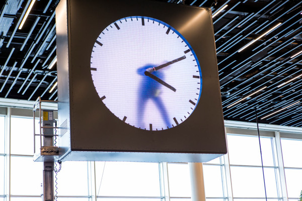 schiphol-clock_maarten-baas_8