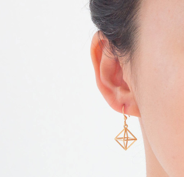 Alminty3D-jewelry-octahedron-18k-gold-plated-person_1024x1024