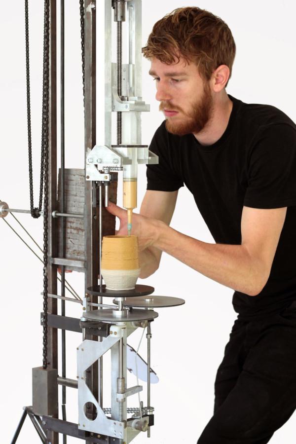 Daniel-de-Bruin-Worlds-First-Analog-3D-printer-3