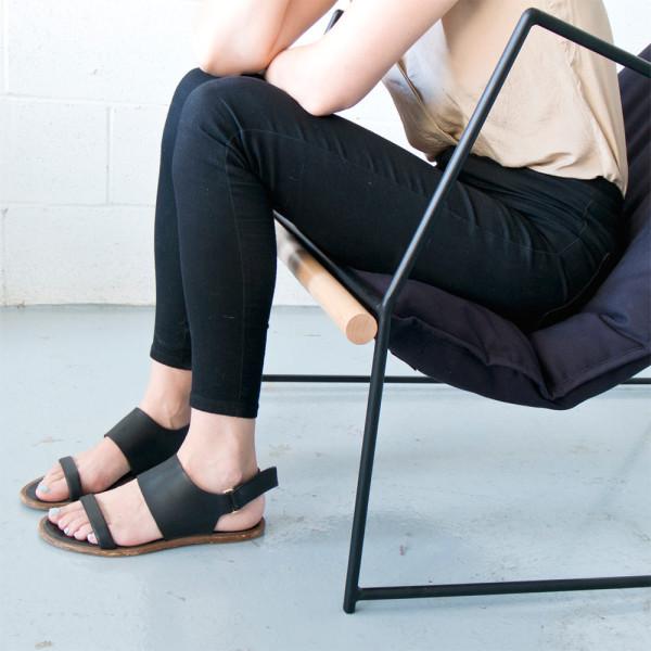 Kumo-sling-chair-Mitz-Takahashi-2