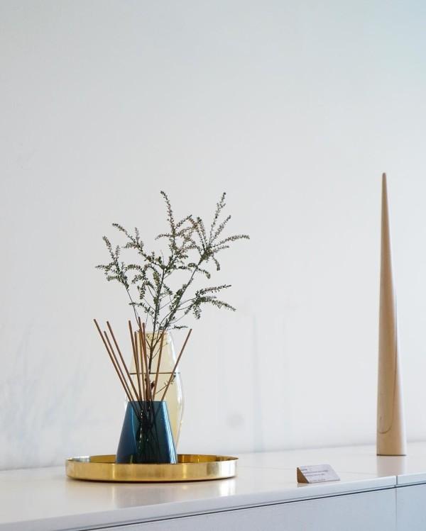 Zen/Han vase duo by Nichetto Studio; Photo: Vy Tran
