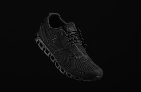 On-cloud-running-shoe-black-2