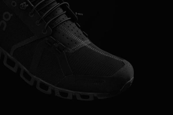 On-cloud-running-shoe-black-3