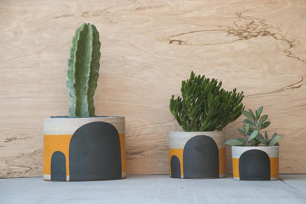 The Graphical Ceramics of Pawena Studio