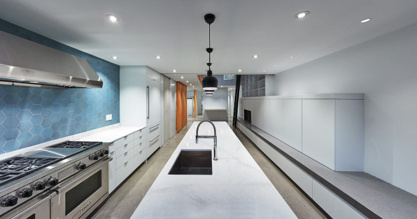 ROBITAILLE-CURTIS-Atrium-Townhome-4