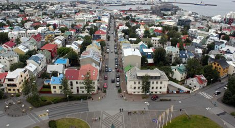Comprovendoauto Travels to: Reykjavík