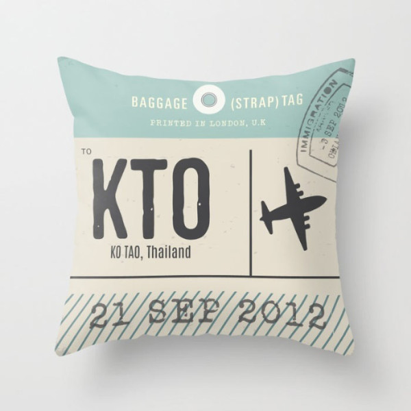 travel-tag-pillow