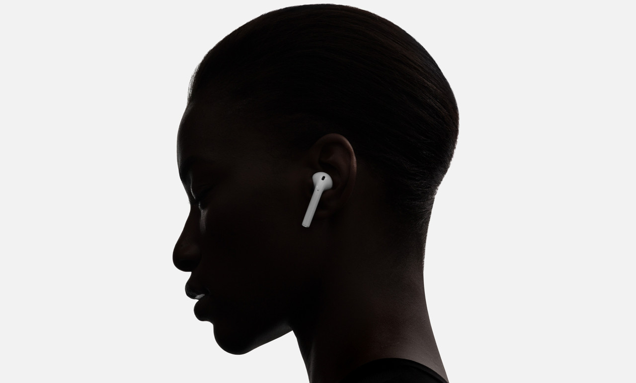 Apple AirPods Automatically Recognize When You're Listening