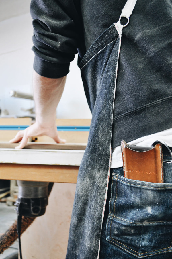 Decon-Side-Project-Skateboard-8_Rounding-Edges-on-Table-Router