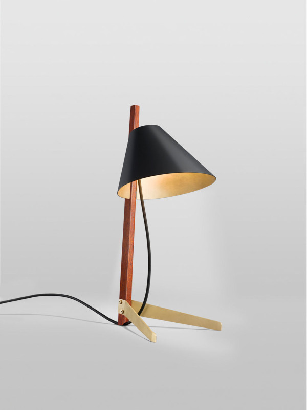 Ilse-Crawford-Billy-TL-table-lamp-2