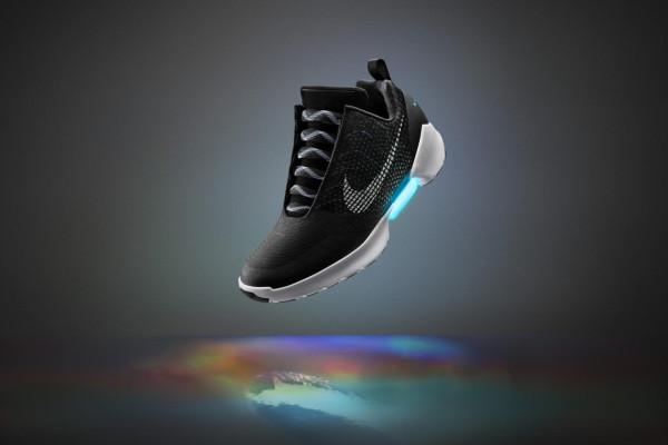 Nike-hyperadapt-EARL3