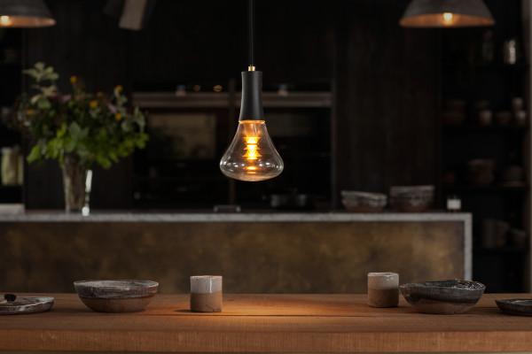 [Plumen] 003 light bulb - Plumen 003 over worktop - not retouched