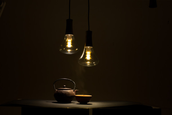 [Plumen] 003 light bulb - unretouched (2)