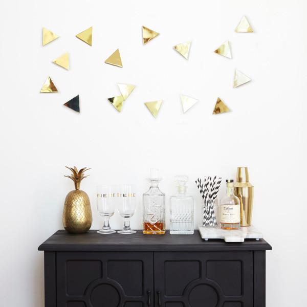 UMBRA-5-CONFETTI_TRIANGLES_16_PCS_BRASS_02