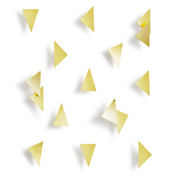 UMBRA-6-CONFETTI_TRIANGLES_16_PCS_BRASS_01