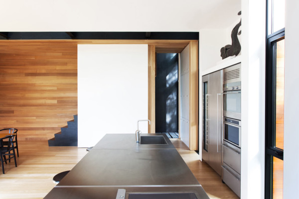 A Montreal House Designed for a Sculptor - Design Milk