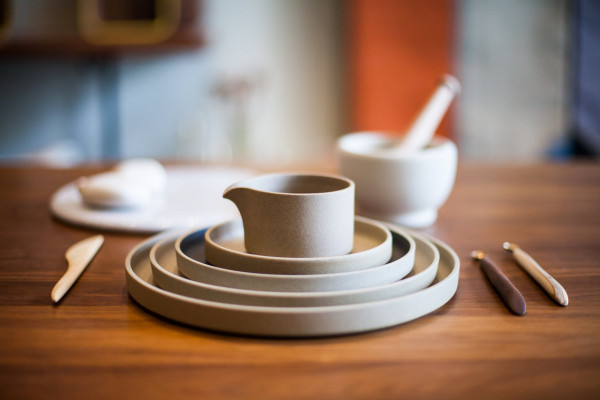 acacia-Hasami-Porcelain-tan-closeup