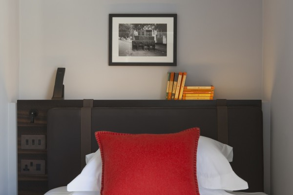 the-laslett-hotel-single-room
