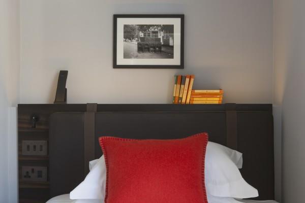 the-laslett-hotel-single-room
