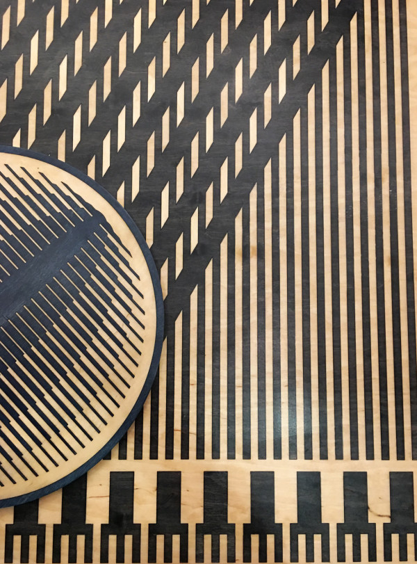 Close up with Gantt's graphic table and tray
