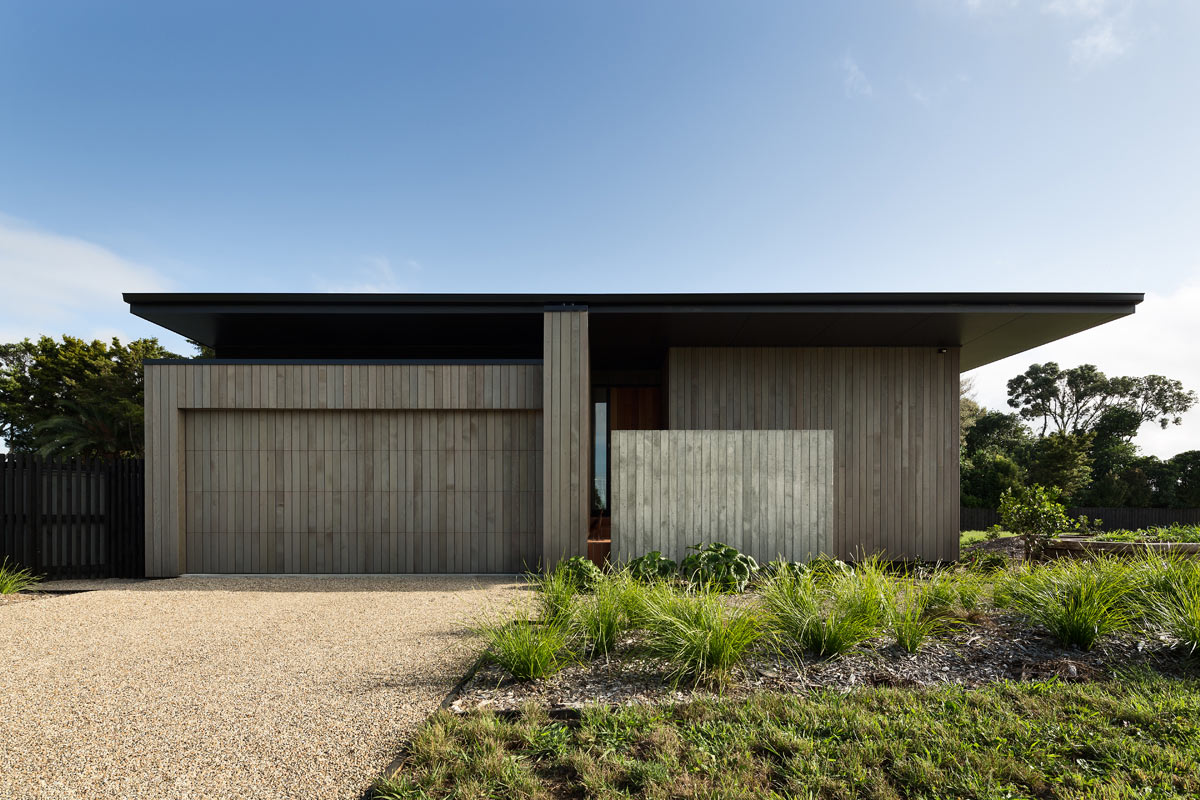 house under eaves by mrtn architects design milk