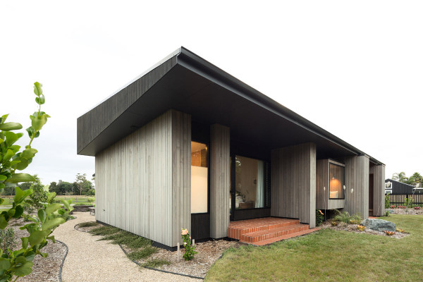 House-Under-Eaves-MRTN-Architects-2